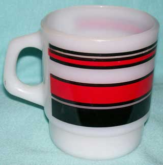 Photo of a Anchor Hocking - Fire King Coffee Cup - super Stripes - Red and Black, handle left