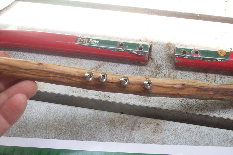 photo showing the insert used to keep bowsaw halves together.